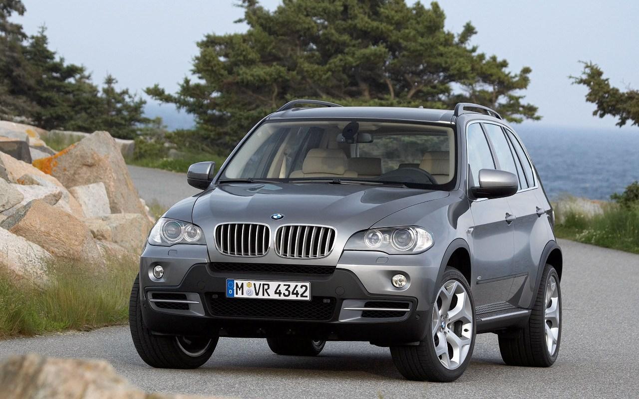 New BMW tri-turbo diesel engine