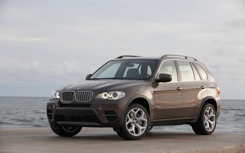 2011 BMW X5 Facelift as an actor