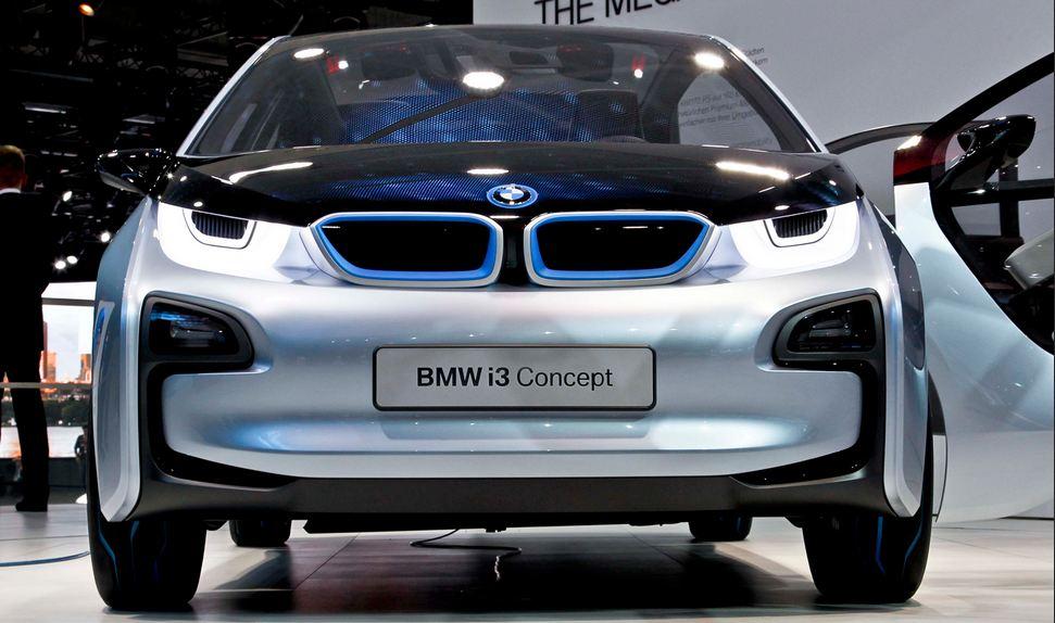 """Frankfurt will see BMW's first """"born electric"""" car"""