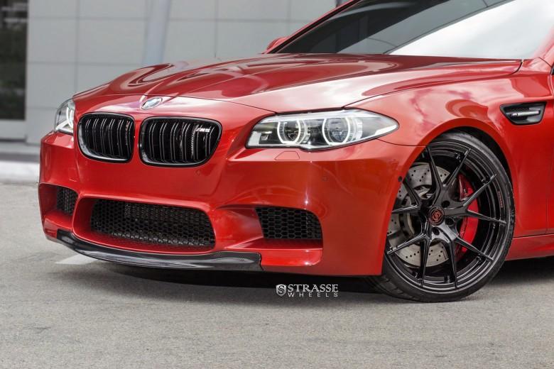 BMW M5 Looks Hot on Strasse Wheels